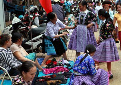 Khám phá thú vị về chợ tình – tết độc lập của người Mông tại Mộc Châu