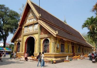 Tour Viêng Chăn – Luông Pha Băng – Xiêng Khoảng 6 ngày 5 đêm