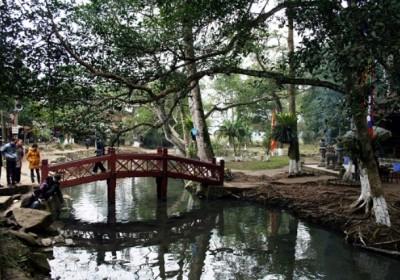 Tour du lịch Suối Cá Thần – Thành Nhà Hồ – Đền Sòng 1 Ngày